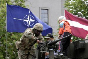 Latvijoje statomos naujos NATO kareivinės