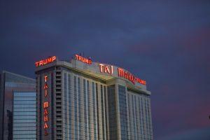 """Po darbuotojų streiko uždaromas legendinis """"Trump Taj Mahal"""" kazino"""