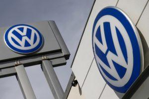 """Dėl taršos skandalo P. Korėjoje ribojama """"Volkswagen"""" prekyba"""