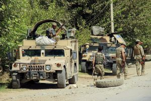 Talibanas pradėjo didelį Afganistano miesto puolimą