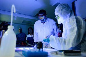 Krizės alinamos Venesuelos ligoninėms trūksta 80 proc. medikamentų
