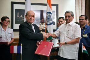 Indija ir Prancūzija galutinai susitarė dėl 36 naikintuvų įsigijimo