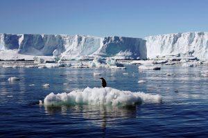 Dėl skylančio ledo Antarktidoje uždaroma D. Britanijos stotis