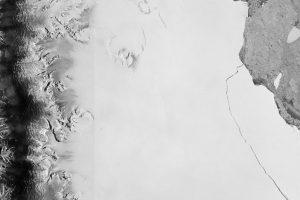 Antarktyje atskilo 1 trilijono tonų ledkalnis