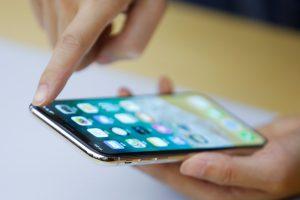 """Į Lietuvą atkeliauja naujausi """"iPhone X"""": kas džiaugsis pirmieji?"""