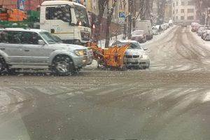 Kauno centre – kelininkų transporto ir BMW akistata