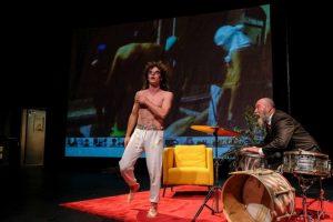 """Festivalyje """"Nerk į teatrą"""" – provokuojantis kūrėjo iš Izraelio spektaklis"""