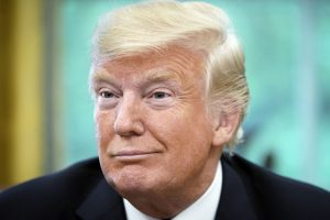 Kongresui ir D. Trumpui nepasiekus susitarimo įsigaliojo vyriausybės uždarymas
