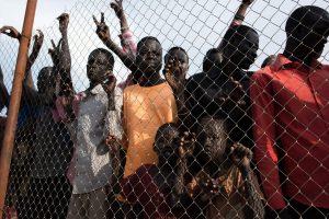 Pietų Sudano mieste nuo pasaulio atskirti 100 tūkst. žmonių