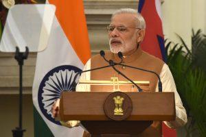 Indija svarsto reakciją į kruviną Pakistano išpuolį