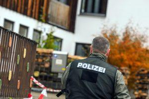 Vokietijoje mirė per reidą sužeistas policininkas