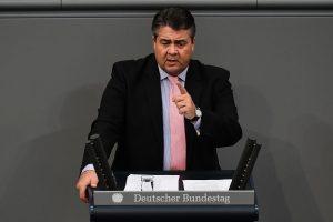 """Kandidatas į Vokietijos kanclerio postą žada remti """"Nord Stream 2"""""""