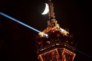 Pasibaigus streikui Eiffelio bokštas vėl atidarytas