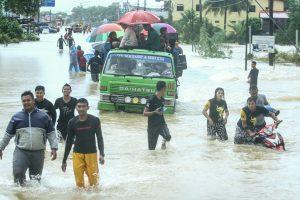 Dėl potvynių Malaizijoje evakuojami tūkstančiai žmonių
