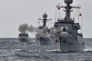 Pietų Korėjos laivynas surengė dideles karines pratybas