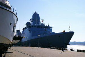 Į Klaipėdą atplaukė Danijos karinis laivas