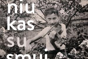 """""""Berniukas su smuiku"""" pasakoja neįpastą žydų gelbėjimo istoriją"""