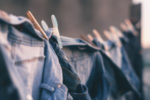Kodėl gali kenkti kasdien dėvimi drabužiai?