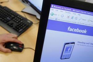 """Belgijos teismas nurodė """"Facebook"""" nebesekti interneto vartotojų"""
