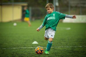 Vaikų lytiniu išnaudojimu futbolo klubuose įtariama per 80 žmonių