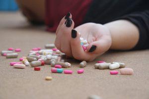 Marijampolėje vaistais apsinuodijo paauglė, pradėtas tyrimas