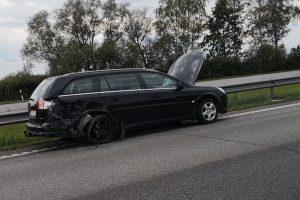 Svarbu važiuojantiems iš Kauno: dėl eismo nelaimės – spūstys