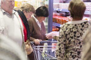 Maisto talonai grįžta: kam tai bus naudingiau – eiliniams žmonėms ar verslui?