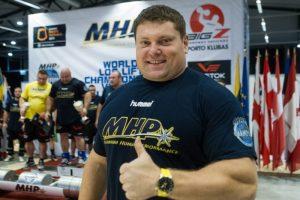 Lietuviai triumfavo Baltijos galiūnų komandų čempionate