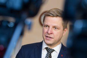 Meras: taksi kainos Vilniaus oro uoste galėtų būti reguliuojamos