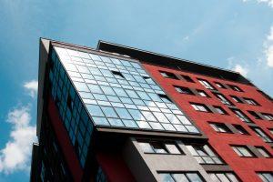 Ekspertai atskleidžia, ar šiuo metu verta pirkti būstą