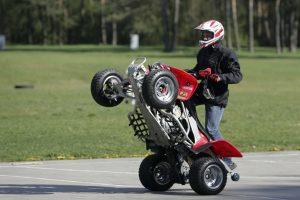 Neramūs laikai mopedų ir keturračių vairuotojams: ketinama didinti baudas