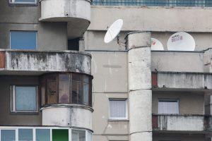 Alytaus rajone per balkoną iškrito mažametė