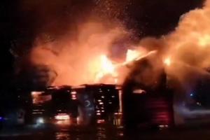 Kėdainių rajone didžiulis gaisras pasiglemžė parduotuvę (vaizdo įrašas)