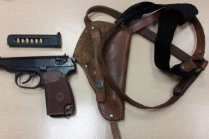 Panemunėje sulaikytas į Lietuvą pistoletą įsinešęs rusas
