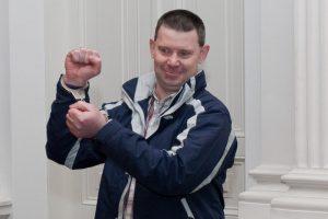 Terorizmu kaltinamam airiui siūloma skirti 10 metų nelaisvės