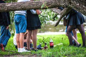 Ligoninėje gydoma alkoholiu apsinuodijusi penkiolikmetė