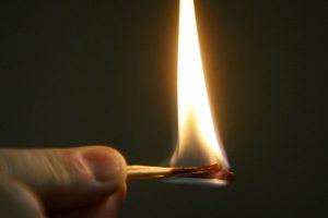 Tramdyti grasinusiojo gaisru skubėjo visos Kauno specialiosios tarnybos