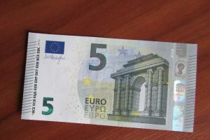 Nauja kyšių mada – pinigai padėti šiaip sau