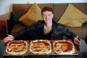 Maistu tapančio škoto modeliai – B. Spears ir D. Beckhamas