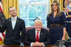 Su D. Trumpu nusifotografavęs Metų mokytojas tapo sensacija