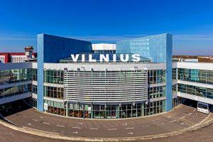 Vilniaus oro uoste avariniu būdu leidosi lėktuvas, jame – miręs žmogus