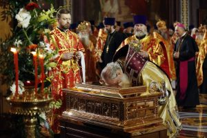 Šv. Mikalojaus relikviją Maskvoje pasitiko minios tikinčiųjų