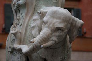 Romoje vandalai suniokojo istorinę skulptūrą