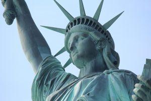 D. Trumpo administracijai – imigrantų kritika