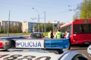 Kauno autobuse susižalojo nukritęs senjoras