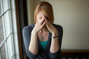 Siūloma leisti priverstinai gydyti psichikos sutrikimų turinčius žmones