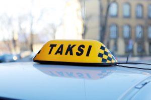 Agresyvius klientus taksistas tramdė šūviu į orą