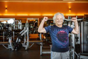 80-metis sporto klube pasigenda bendraamžių