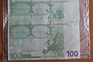 Į Klaipėdą plūsta netikri eurai