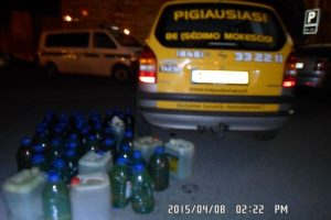 Taksi automobilyje rastas nelegalus dyzelinas